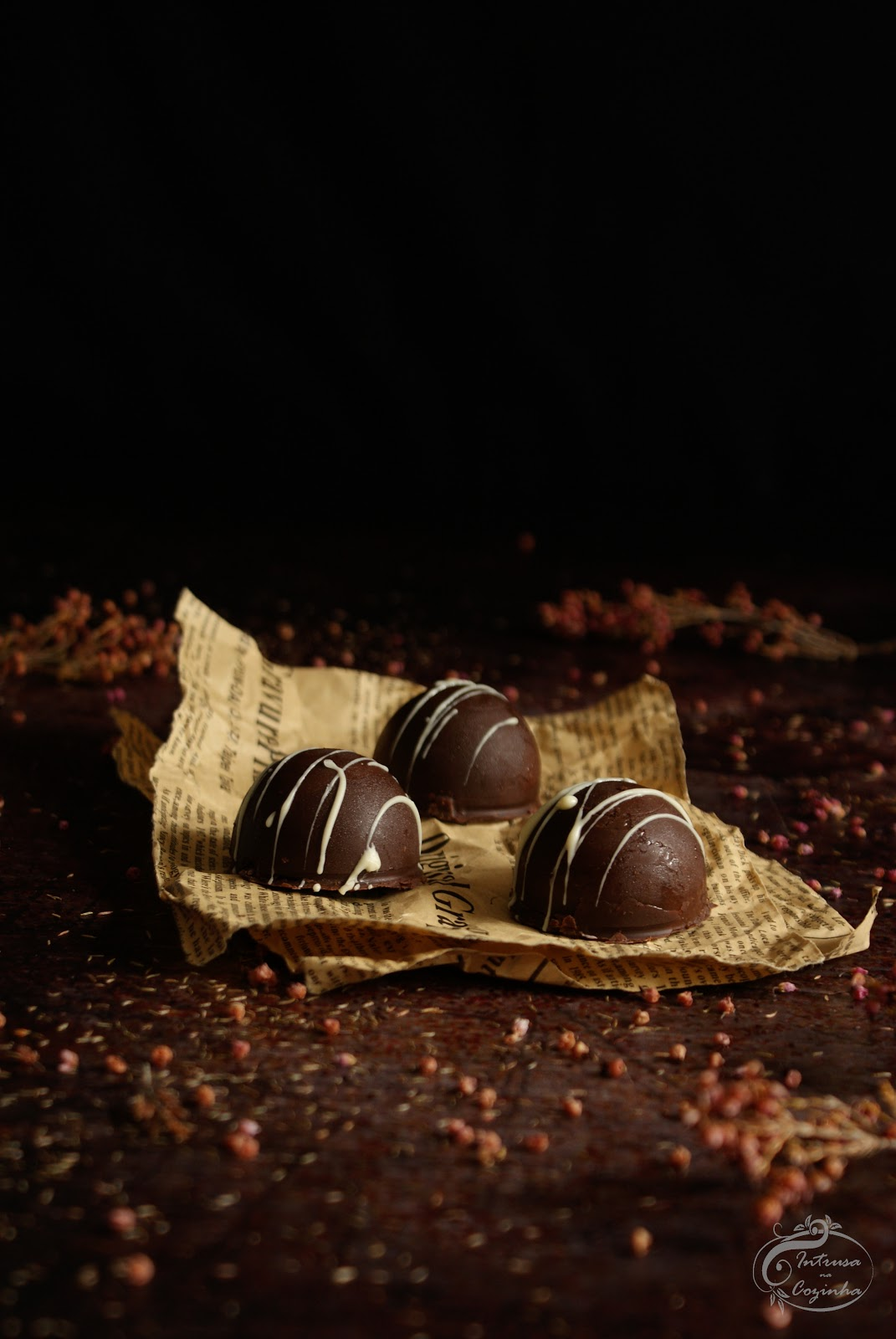 Bombons de Chocolate e Mousse de Framboesa  {Chocolate and Raspberry Mousse Candy}